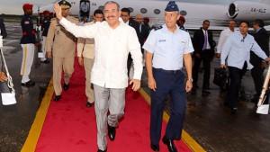 Regresa-el-presidente-Medina-tras-participar-en-la-VI-Cumbre-de-la-AEC