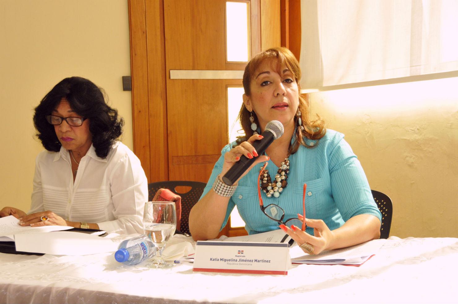 Las magistradas de la alta corte Ana Isabel Bonilla Hernández y Katia Miguelina Jiménez Martínez