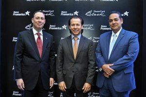 Hampton Castillo, Óscar Soto y Felipe Cobos.