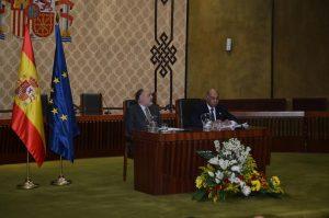 Los presidentes de los tribunales español, Francisco Pérez de los Cobos y dominicano, Milton Ray Guevara