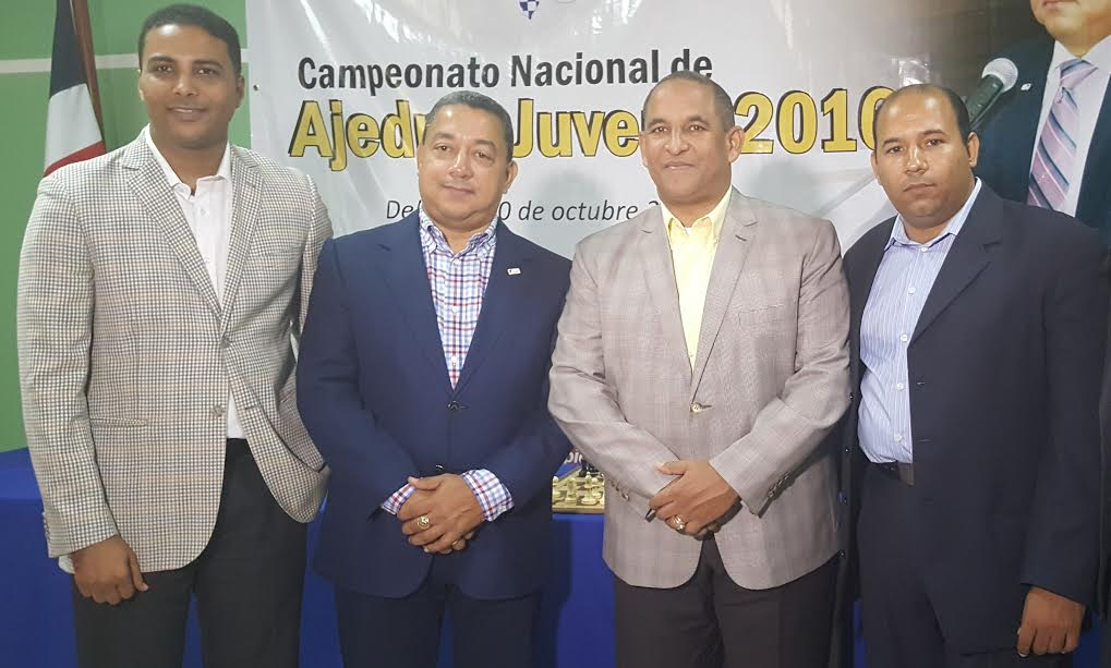 Lic. Wily González, Dr. Alejandro Herrera, Vicealmirante Edmundo Félix Pimentel Lic. Braulio Ramirez Vicepresidente del Comité Organizado.