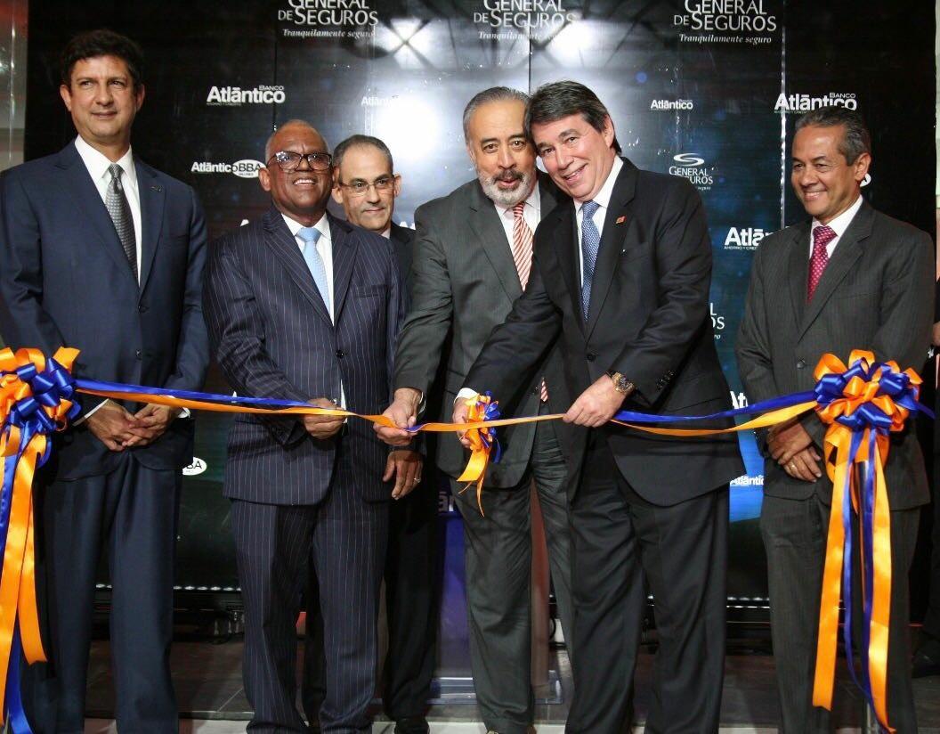 Inauguran oficinas de banco atl ntico y general de seguros for Oficinas de banco financiero