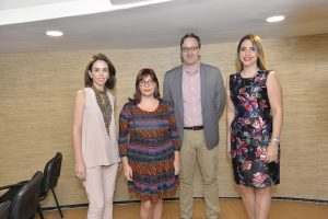 Isabel González, Lorena Oliva, Hans Kuehn y Laura Castellanos
